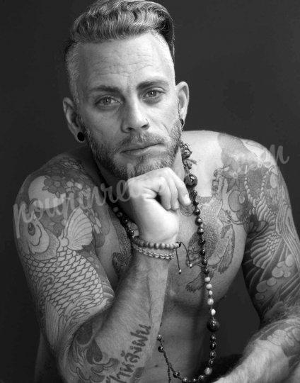 Shooting   - Séance photos homme tatoué sur La Rochelle - Manu -  ans -