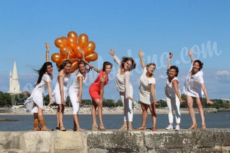 Séance photos ballons EVJF sur La Rochelle - Charlotte