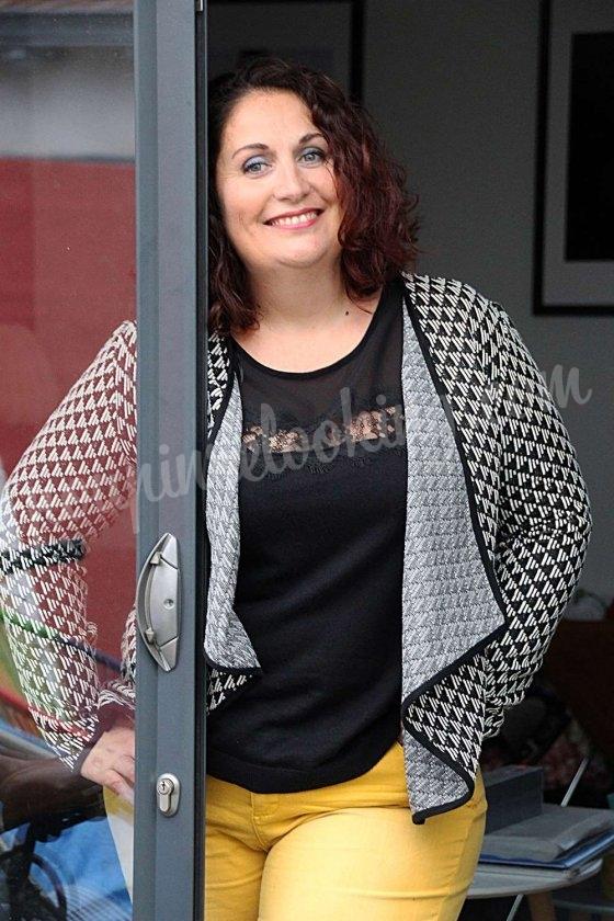 Virginie de Niort à la recherche d'une coupe de cheveux se lance dans le Relooking à 42 ans